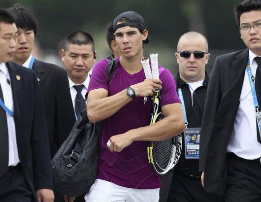 Công việc bảo vệ ngôi sao tennis: Ám ảnh từ nhát dao oan nghiệt